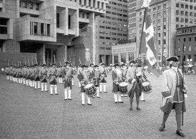 Anciennes_troupes_militaires_Montreal_350e_de_Boston