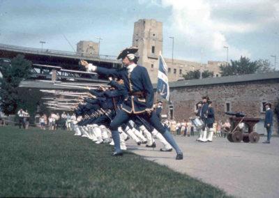 Anciennes_troupes_militaires_Montreal_Fort_de_l'ile_Sainte-Hélène