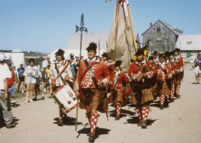 Anciennes_troupes_militaires_Montreal_Frazers_Louisbourg_1995