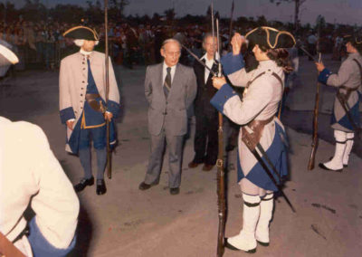 Anciennes_troupes_militaires_Montreal_Rene_Levesque_1